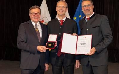 Land Tirol ehrt Univ. Prof. Dr. Walter Obwexer