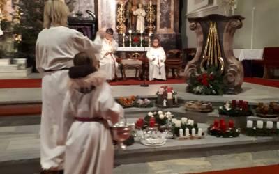 Familienandacht mit Adventkranzsegnung in Neustift