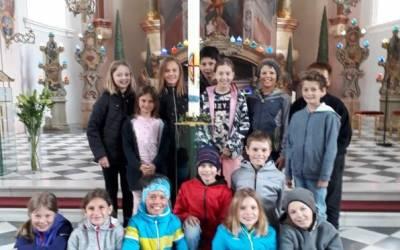 Besuch beim Ostergrab in Telfes