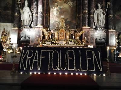 Nacht der 1000 Lichter in der Pfarrkirche Neustift
