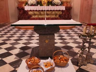 Auch Heuer gab es am Elisabeth-Sonntag Brote von der Vinzenzgemeinschaft.