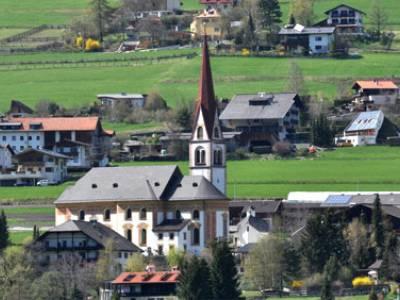 Livestream: Sonntagsgottesdienst zum Patrozinium der Pfarrkirche Telfes aus dem Stubai